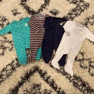 ⭐️5 for $25⭐️4 piece pajama lot - 3 months